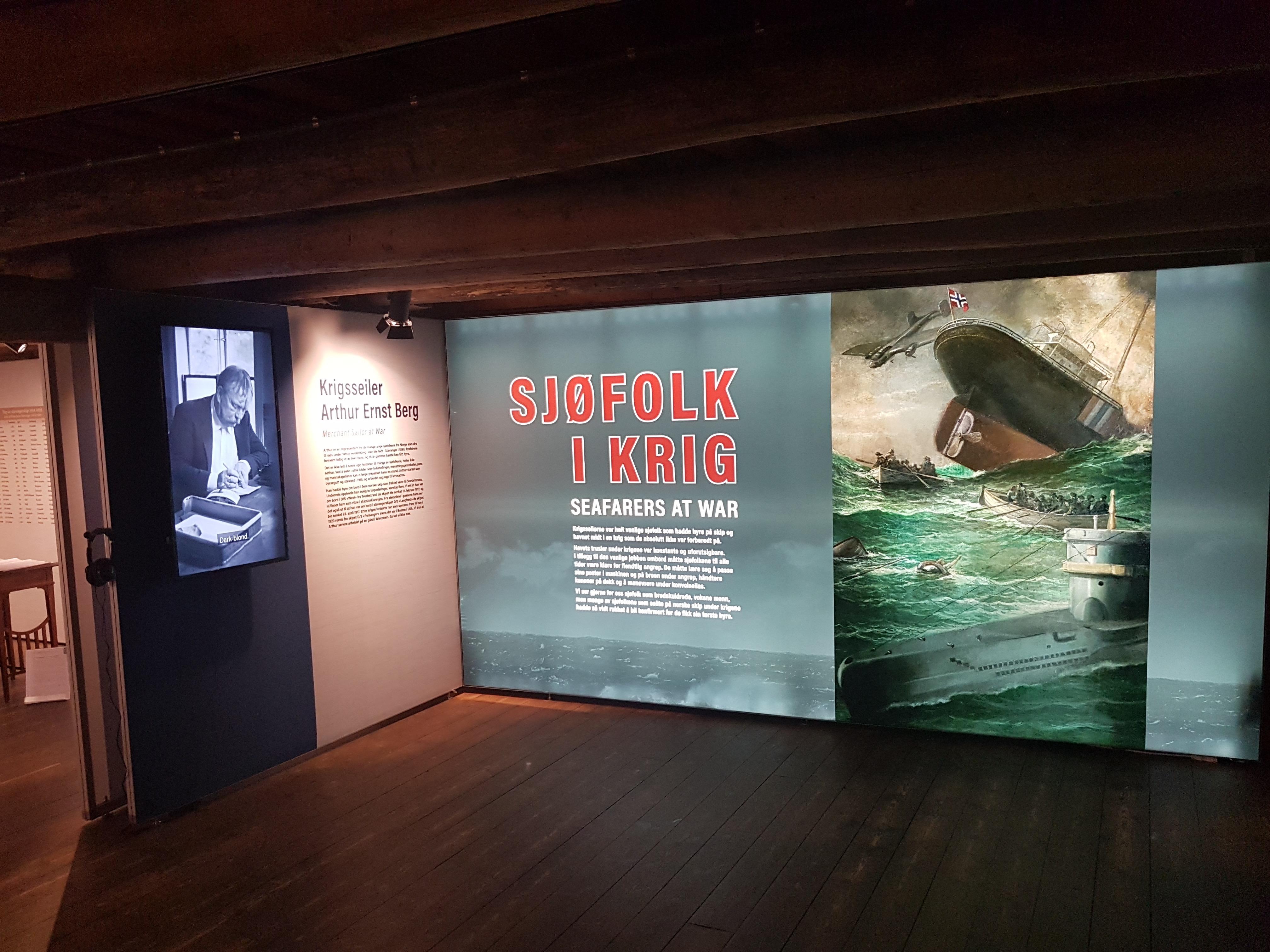 SJØFOLK I KRIG-MARITIME MUSEUM